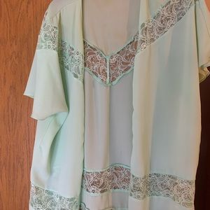 Green lace kimono from buckle